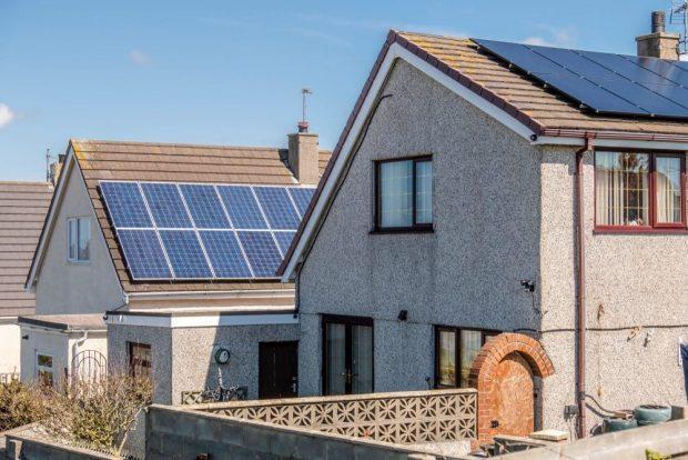 solar-tejados-reino-unido-620x414